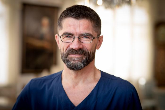 Leg. läkare, ögonspecialist Jürg Hengstler Stockholms Ögonklinik